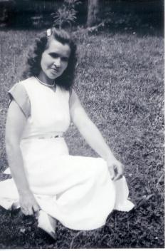 Tavia Jane <I>Richardson</I> Smith