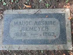 Maude Elnora <I>Thompson</I> Riemeyer