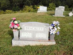 """Evelyn Joyce """"Jody"""" <I>Davis</I> Brackett"""