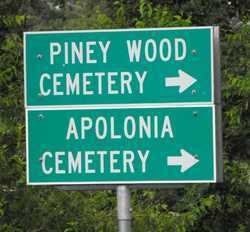 Piney Woods Cemetery