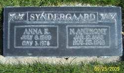 Annie E <I>Jensen</I> Syndergaard