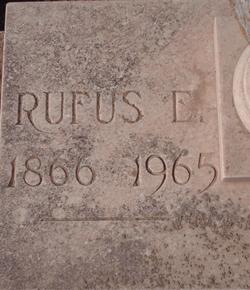 Rufus E Courtney