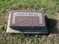 Kenneth R Batley