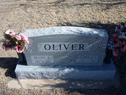 Mary Leuttia <I>Briles</I> Oliver
