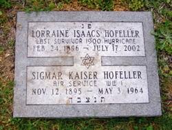 Lorraine <I>Isaacs</I> Hofeller