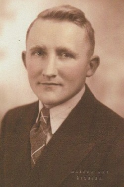 "Roger Garwin ""Ole"" Phillips"