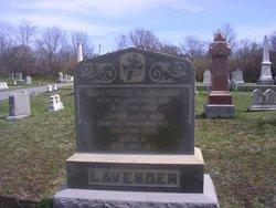 Capt Robert M Lavender