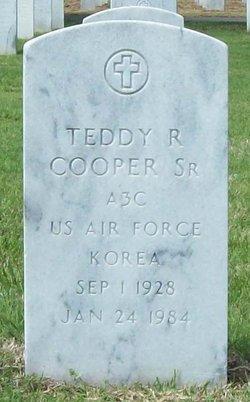 Teddy R Cooper, Sr
