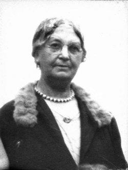 Sarah Virginia Catherine <I>Luzadder</I> Roderick