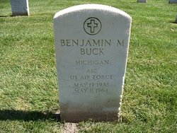 Benjamin M Buck