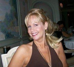 Holly Lynne