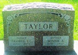 Minnie Anna <I>Reichle</I> Taylor