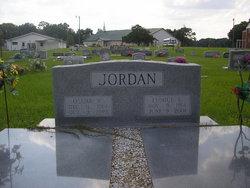 Oscar W Jordan
