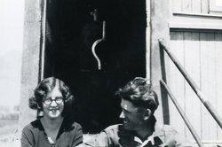 Thelma Leon <I>Hammond</I> Davies