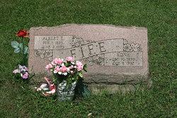 Edna Fife