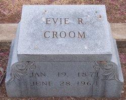 "Evelyn ""Evie"" <I>Roberts</I> Croom"