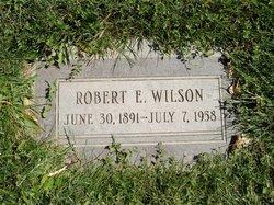 Robert E Wilson