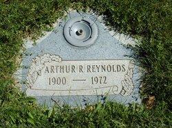 Arthur R Reynolds, Sr
