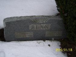 Eva Phyllis <I>Yandeau</I> Bean