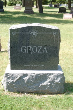 Rev Stephan Groza