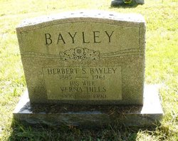 Verna <I>Hills</I> Bayley