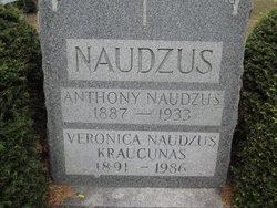 Veronica <I>Naudzus</I> Kraucunas
