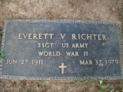 Everett V Richter