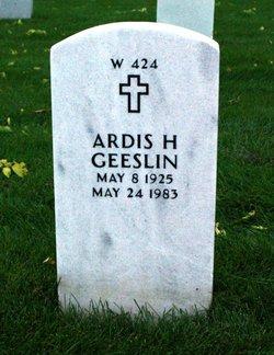 Ardis Helen <I>Masdal</I> Geeslin