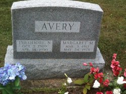 Margaret Marie <I>Nicklow</I> Avery