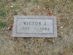Victor J Morton