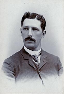Leon W. Curtiss