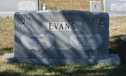 Tina <I>Bagwell</I> Evans