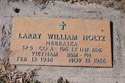 Spec Larry William Holtz