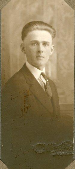Leonard Peter Backes