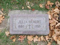 Julia <I>Houde</I> Boisvert - Hubert