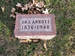 Ora S <I>Skelton</I> Arrott