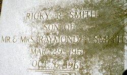 Ricky R Smith