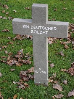X-10-236 Ein Deutscher Soldat
