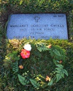 Margaret Dorothy <I>Loney</I> Cwikla