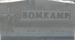 Agnes R. Bomkamp