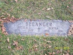 """Bertha """"Mitzi"""" <I>Settele</I> Belanger"""