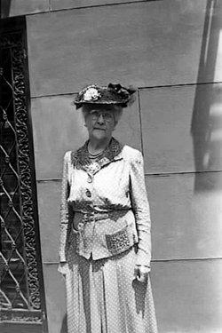 "Mrs Elizabeth Gertrude ""Bessie"" <I>Collins</I> Cornwell"