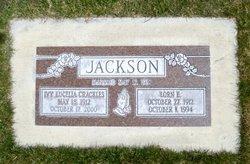 Lorn E Jackson