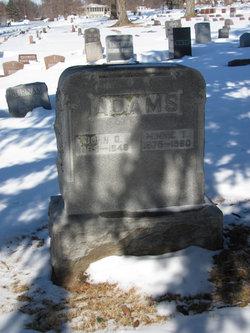 Minnie T <I>Thomas</I> Adams