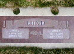 Leslie C Lund