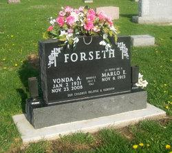 Vonda A. <I>Roquet</I> Forseth