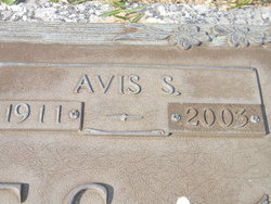 Avis <I>Styron</I> Gorges