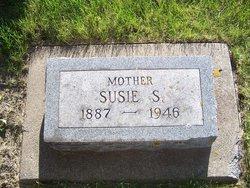 Susie Sybil <I>Mertens</I> Petersen