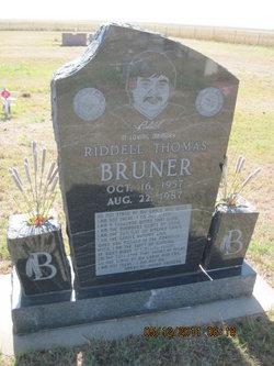Riddell Thomas Bruner