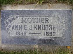 Anne Kerjstine Knudsen
